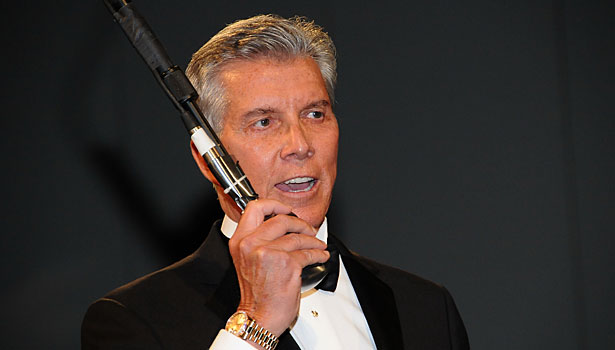 Michael Buffer introduces George Forman